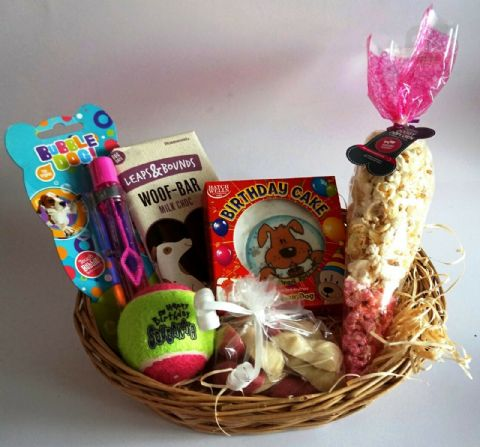 GIFT WRAPPED DOG BIRTHDAY PARTY PACK WITH CARD CAKE BUBBLES CHOC & POPCORN